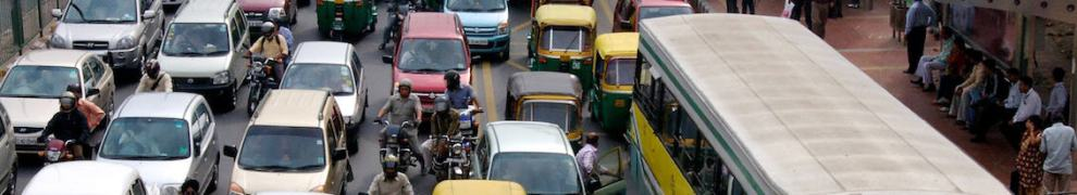 india-dehli-heavy-traffic-color